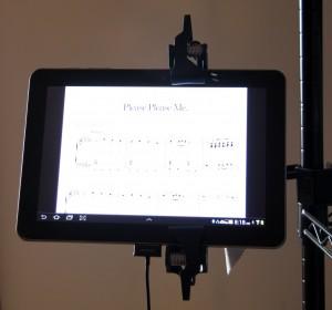 Tablette Samsung dans les bureaux d'AirTurn (image fournie par AirTurn)